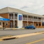 Motel 6 Falls Church