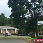 Colonial Traveler Inn