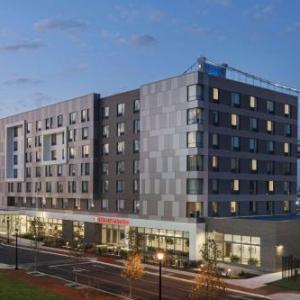 Hotels near Adventure Aquarium - Hilton Garden Inn Camden Waterfront