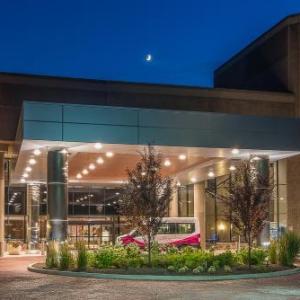 Hotels near Raceway Park Englishtown - Crowne Plaza Princeton