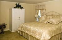 Silver Service Inn - Bed And Breakfast - Adults Only Image