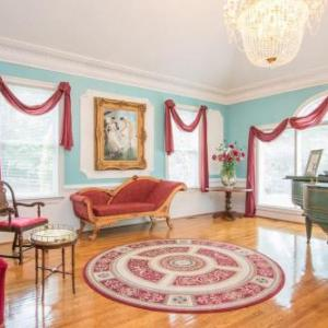 Rosewood Manor Bed & Breakfast