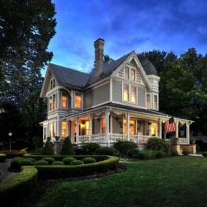 Hotels near Beckley Raleigh County Convention Center - The Historic Morris Harvey House