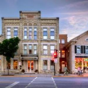 Hotels near Cedar Creek Park Cedarburg - Washington House Inn