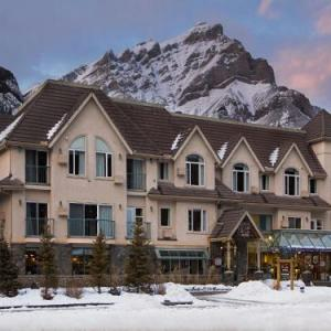 Hotels near Banff Centre - Irwin's Mountain Inn