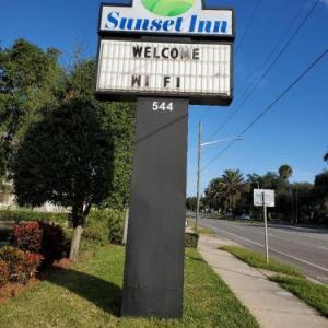Hotels near Jackie Robinson Ballpark - Days Inn By Wyndham Daytona Beach Downtown