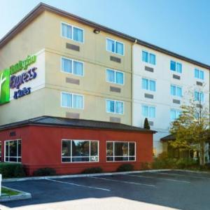 Hotels near Shorewood High School Shoreline - Holiday Inn Express & Suites North Seattle - Shoreline