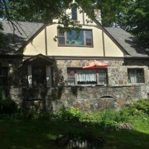 Memorytown USA Hotels - Maurrocks - A Pocono Mountains B&B