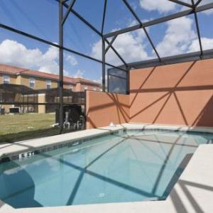 Spacious Townhouse with Splash Pool BV4573