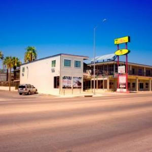 Hotels near Del Rio Civic Center - Whispering Palms Inn
