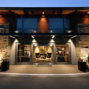 The Queens Nanaimo Hotels - Qualicum Beach Inn