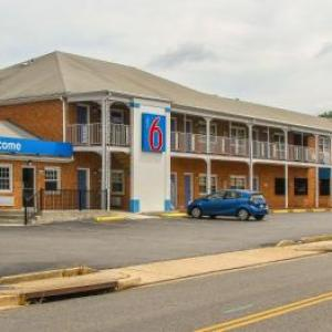 Motel 6-Falls Church VA - Arlington Boulevard