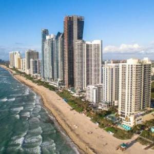 Newport Beachside Hotel & Resort Hotels - Doubletree Ocean Point Resort And Spa Miami Beach North