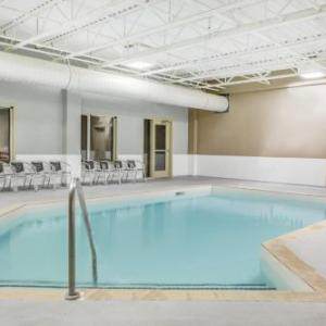 Hotels Near Showplace Performance Centre Super 8 By Wyndham Peterborough