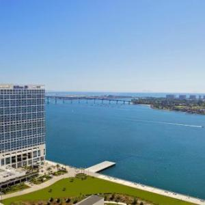 San Diego Convention Center Hotels - Hilton San Diego Bayfront