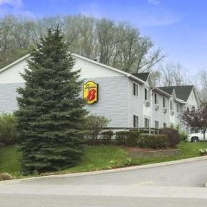 Hotels near Little River Casino - Super 8 Manistee
