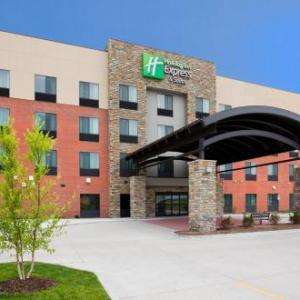 Holiday Inn Express & Suites Davenport an IHG Hotel