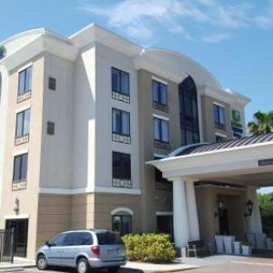 Holiday Inn Express Hotel & Suites Tampa-usf-busch Gardens