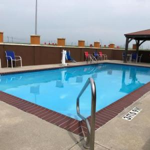 Harang Auditorium Hotels - Days Inn & Suites Thibodaux
