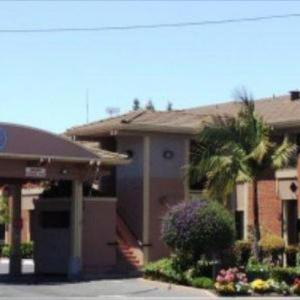 Hotels near Woodside High School - Pacific Inn Of Redwood City