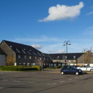 Hotels near Epsom Downs Racecourse - Holiday Inn Express London-Epsom Downs