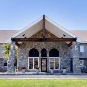 Hotels near Butte Civic Center - Rodeway Inn Whitehall
