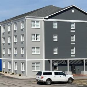 Hotels near Cliff Hagan Stadium - Inn On Broadway