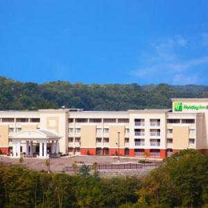 Top Cats Cincinnati Hotels - Holiday Inn Express Cincinnati West
