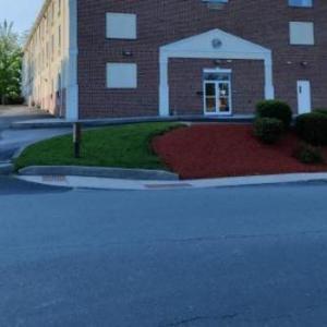 President Inn & Suites