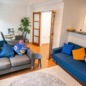 The Cross - 3 Bedroom Town House in City Centre