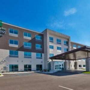 Holiday Inn Express & Suites - Cedar Springs - Grand Rapids N