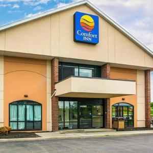 Hotels near Country Club of Rochester - Comfort Inn Rochester