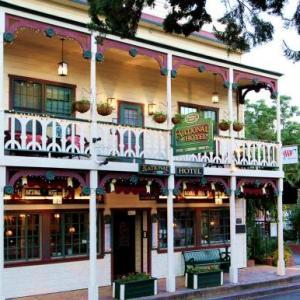 Ironstone Amphitheatre Hotels - Historic National Hotel & Restaurant