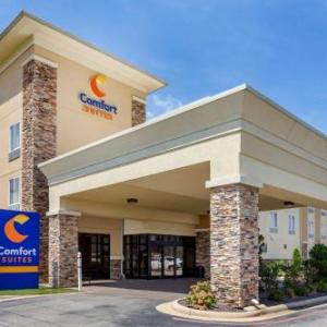 Centennial Bank Stadium Hotels - Comfort Suites Jonesboro
