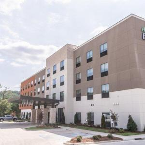 Hotels near Shades Mountain Baptist Church - Holiday Inn Express & Suites - Birmingham - Homewood