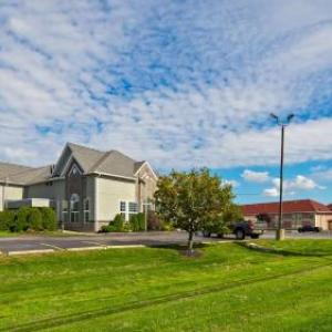 Darien Lake Performing Arts Center Hotels - Best Western Crown Inn & Suites