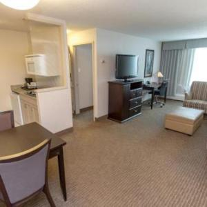 Foote Field Hotels - Campus Tower Suite Hotel