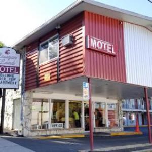 Hotels near Martin Stadium - Cougar Land Motel
