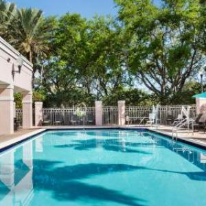Hotels near The BB&T Center - DoubleTree By Hilton Sunrise/Sawgrass Mills Fl