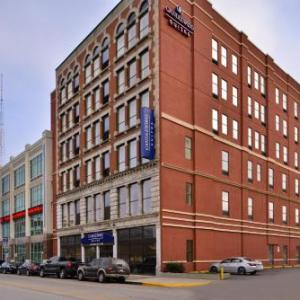 Hotels near Indiana Theatre Terre Haute - Candlewood Suites Terre Haute