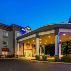 Yoder Barn Theatre Hotels - Best Western Plus Newport News Inn & Suites