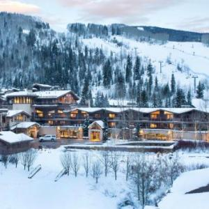 Hotels near Gerald Ford Amphitheatre - Manor Vail Lodge