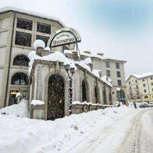 Book Now Locazione Turistica Universo.2 (Pre Saint Didier, Italy). Rooms Available for all budgets. Located 300 metres from Pré Saint Didier Thermal Spa Locazione Turistica Universo.2 offers pet-friendly accommodation in Pré-Saint-Didier.The kitchenette comes with