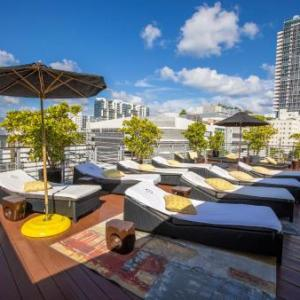Hotels near Miami Beach Convention Center - Riviera Suites South Beach