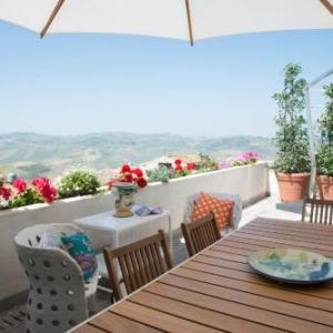 Book Now The Sicilian House - Palazzo Notar Nicchi (Polizzi Generosa, Italy). Rooms Available for all budgets. Offering free WiFi and a sun terrace The Sicilian House - Palazzo Notar Nicchi is located in Polizzi Generosa 25 km from Cefalù. Cerda is 19 km away.The accommodation is