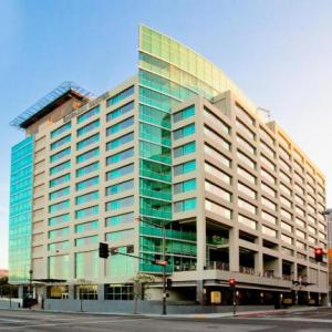 Hotels near Alex Theatre Glendale - Embassy Suites Los Angeles Glendale