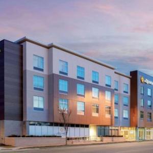 Hotels near Gem Theater - La Quinta Inn & Suites by Wyndham Kansas City Beacon Hill