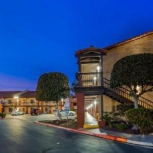 Mattress Firm Amphitheatre Hotels - Best Western Americana Inn