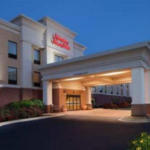 Wheaton Academy Hotels - Hampton Inn & Suites Chicago