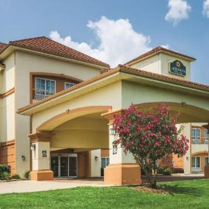City Hall Live Brandon Hotels - La Quinta Inn & Suites Brandon Jackson Airport East